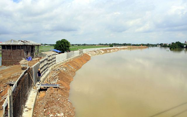 Những năm gần đây, đoạn đê sông Bùi chạy qua huyện Chương Mỹ thường xuyên bị nước lũ rừng ngang gây sạt lở. Trong trường hợp đê tả Bùi bị vỡ, nước lũ sẽ tràn vào nội thành Hà Nội.