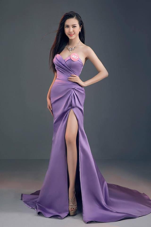 Nàng Á hậu 2 từng đạt danh hiệu Miss thân thiện của cuộc thi Miss Hutech 2017.