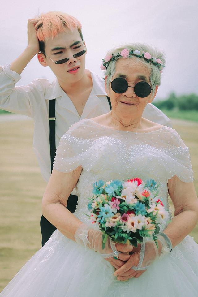 Xúc động bộ ảnh cưới bà nội  cháu trai: Đời người con gái đẹp nhất là khi khoác lên mình bộ váy cưới ảnh 13