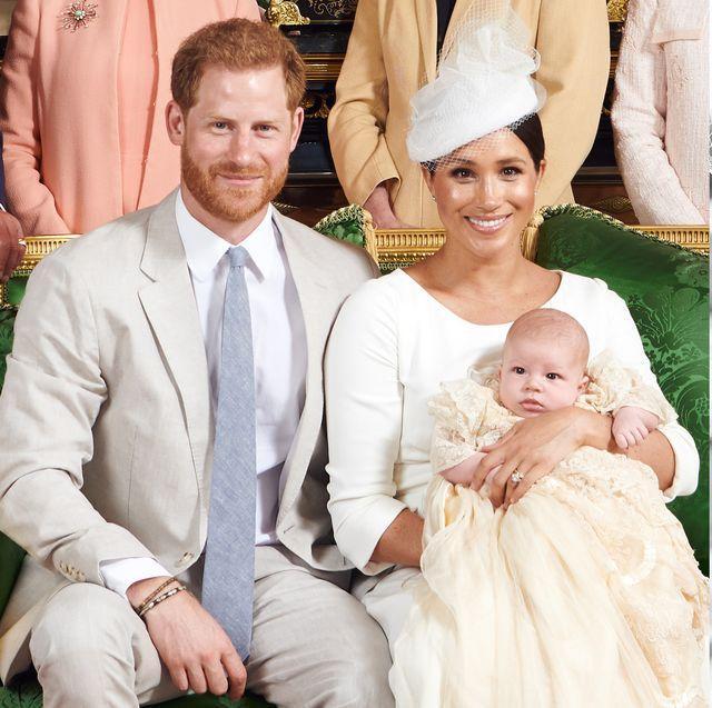 Meghan Markle từng tuyên bố sẽ để con có không gian riêng tư nhưng bản thân cô lại không toàn tâm toàn ý chăm con của mình dù cậu bé mới sinh chưa được bao lâu