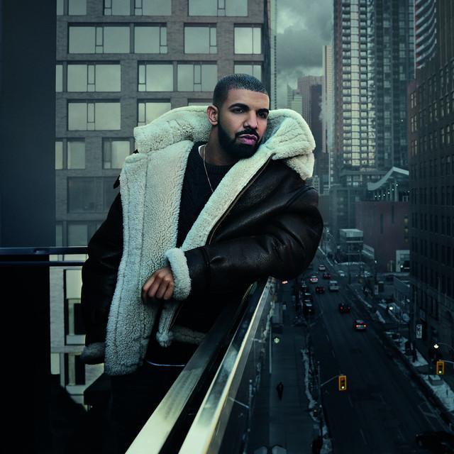 Drake tay trắng ở Teen Choice Awards 2019.