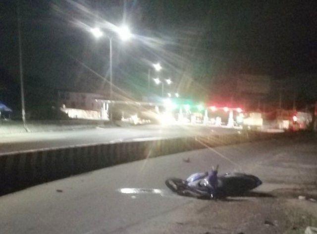 Tông vào dải phân cách trên đường, 2 Thượng úy cảnh sát cơ động tử vong. Ảnh: Dân Trí
