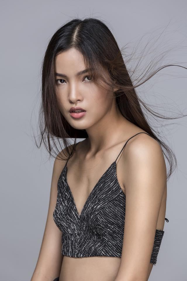 Là một trong những gương mặt người mẫu nổi bật với câu chuyện truyền cảm hứng, từ một cô nữ sinh theo học ngành sư phạm, Chà Mi đã có bước chuyển mình ngoạn mục khi theo đuổi con đường người mẫu. Với ý chí và nghị lực thay đổi bản thân, nhan sắc của Chà Mi ngày càng được người hâm mộ yêu thích.