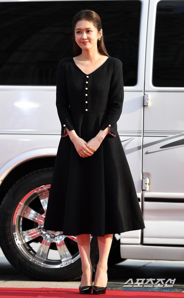 Thảm đỏ Seoul International Drama Awards 2019: Trương Ngọc Ánh  Anh Dũng đọ sắc Jang Nara và Ji Chang Wook ảnh 7