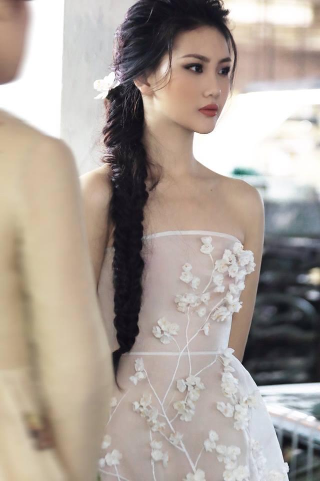 NTK Trần Hùng đem BST lên sàn diễn tại London Fashion Week 2019 ảnh 6