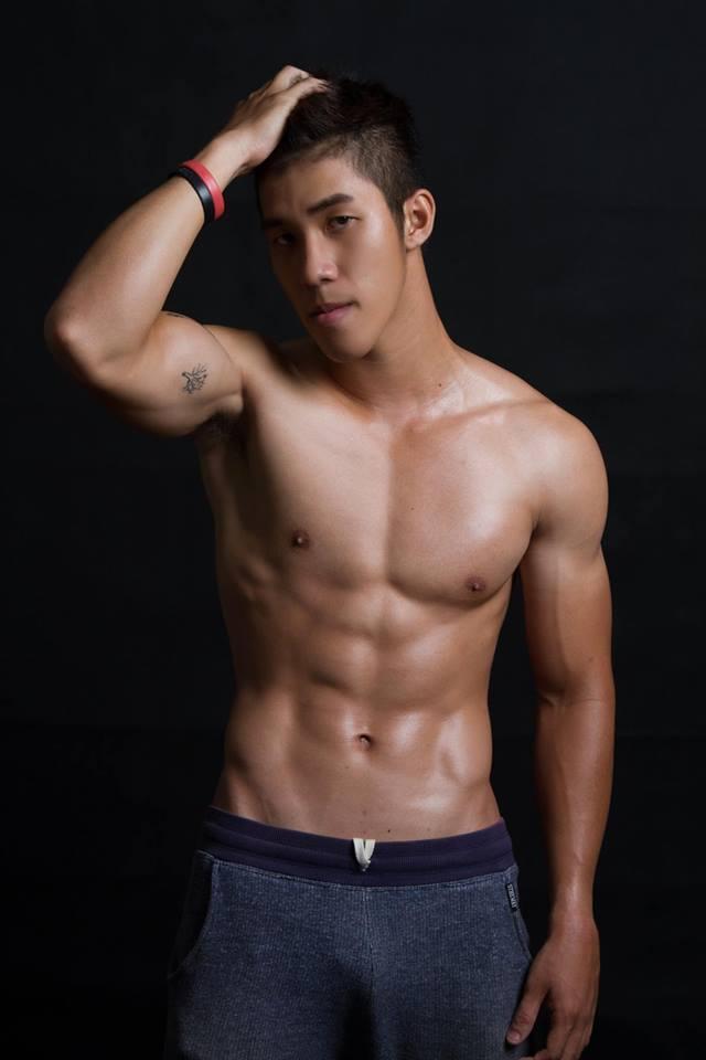 Nguyễn Thanh Nhân vốn là cựu sinh viên của ĐH Thể dục thể thao TP Hồ Chí Minh. Bởi vâỵ, không quá khó hiểu khi Nhân sở hữu vẻ ngoài vô cùng nam tính và body săn chắc, vạm vỡ.
