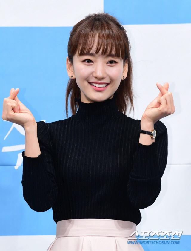 Họp báo Melting Me Softly: Ji Chang Wook nói về tình yêu dành cho Yoon Se Ah, nên chèo thuyền nữ chính hay nữ phụ? ảnh 7