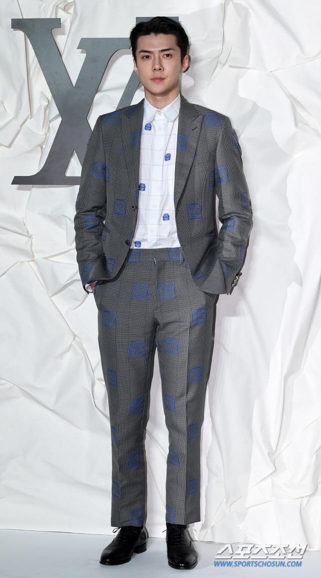 Màn đọ sắc đỉnh cao của Gong Yoo  Jung Woo Sung, Cha Eun Woo (Astro) và Sehun (EXO) tại sự kiện ảnh 7