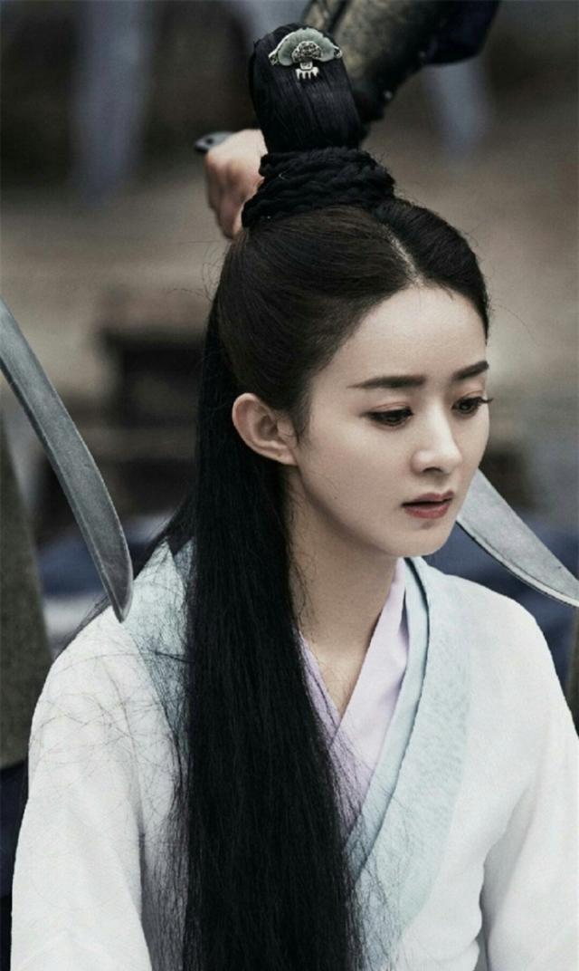 Bằng chứng cho thấy phần diễn của Triệu Lệ Dĩnh bị cắt bớt, nữ phụ được tăng thêm trong Hữu phỉ ảnh 16