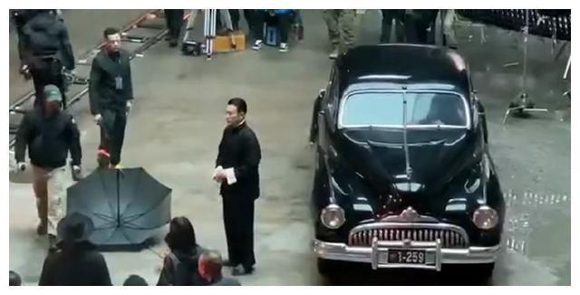 Lưu Đức Hoa bị đoàn phim phân biệt đối xử, gặp phải diễn viên trẻ mắc bệnh ngôi sao? ảnh 4