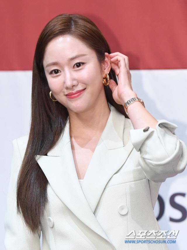 HOT: Bạn gái cũ Lee Jun Ki Jeon Hye Bin bất ngờ kết hôn vào cuối tuần này ảnh 1