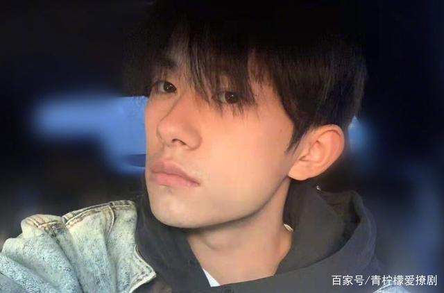 Dịch Dương Thiên Tỉ tiếp tục được đạo diễn khác khen ngợi: Diễn xuất không hề giống idol đóng phim ảnh 1