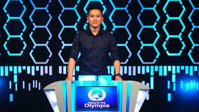 """MC điển trai Ngọc Huy dẫn dắt """"Đường lên đỉnh Olympia"""" từ năm 2013 đến nay."""