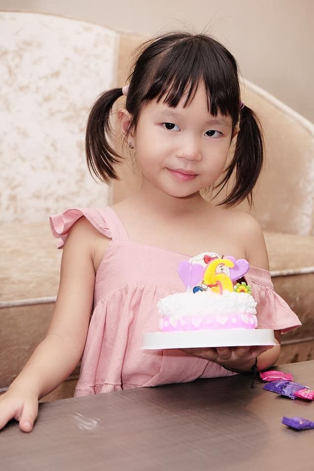 Con gái thứ ba của Lý Hải Minh Hà năm nay đã tròn 5 tuổi