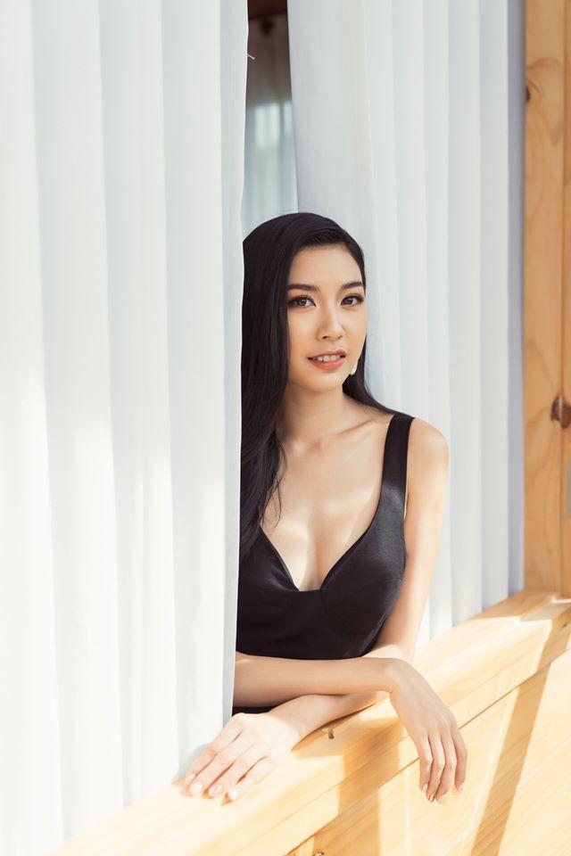 Thúy Vân đẹp kiều diễm, Khánh Vân  Kim Duyên sắc lạnh, pose dáng chuẩn thần thái ảnh 10