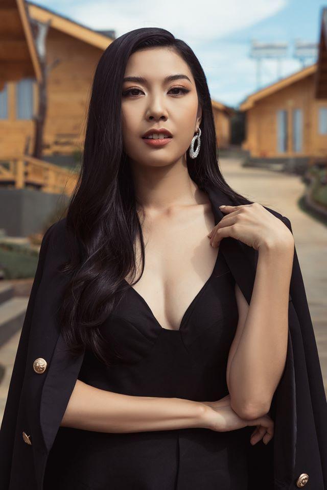 Thúy Vân đẹp kiều diễm, Khánh Vân  Kim Duyên sắc lạnh, pose dáng chuẩn thần thái ảnh 9