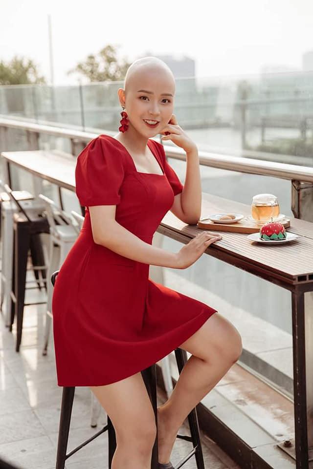 Và mới đây, Thủy Tiên đã đón nhận thông tin cực vui khi Bệnh viện K Tân Triều quyết định tài trợ toàn bộ chi phí điều trị cho cô nàng trong quãng thời gian sắp tới