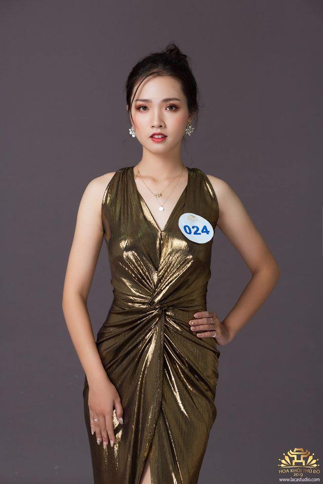 Với ngôi vị này, Khánh Linh đã xuất sắc giành được suất học bổng 4 năm tại Mỹ với trị giá 1,4 tỉ đồng. Thế nhưng, nữ sinh bất ngờ từ chối cơ hội trong mơ của nhiều người để tiếp tục theo đuổi ước mơ tại Việt Nam.