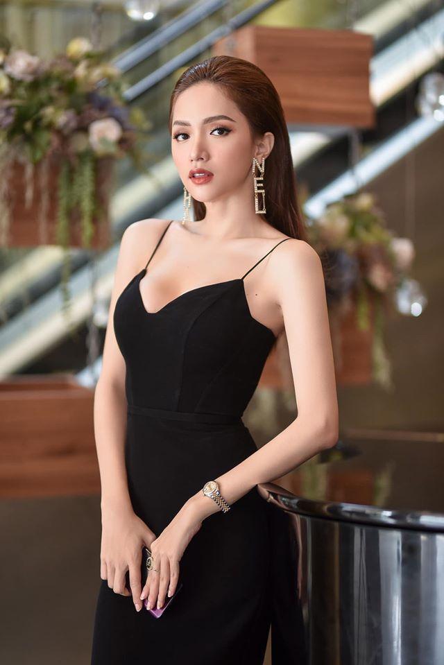 Với gương mặt cân đối, thực sự không khó để Hương Giang có thể tìm được nhiều kiểu tóc đẹp, phù hợp với phong cách của mình.