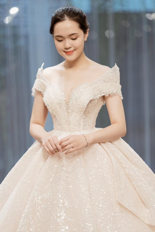 Duy Mạnh  Quỳnh Anh tung ảnh cưới nhắng nhít với áo cầu thủ ảnh 5