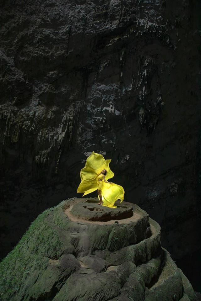 HHen Niê đẹp tinh khôi khi diện áo dài giữa hang Sơn Đoòng, không chỉ đẹp mà còn đầy ý nghĩa ảnh 9