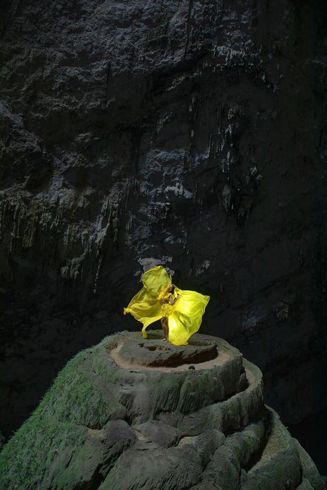 HHen Niê đẹp tinh khôi khi diện áo dài giữa hang Sơn Đoòng, không chỉ đẹp mà còn đầy ý nghĩa ảnh 7