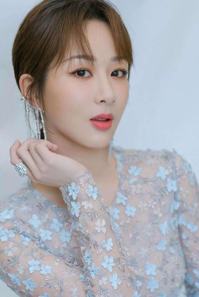 Top 4 nữ minh tinh thực lực nhất của màn ảnh Hoa ngữ: Nữ hoàng rating Triệu Lệ Dĩnh chỉ về nhì vậy ai là người dẫn đầu? ảnh 3