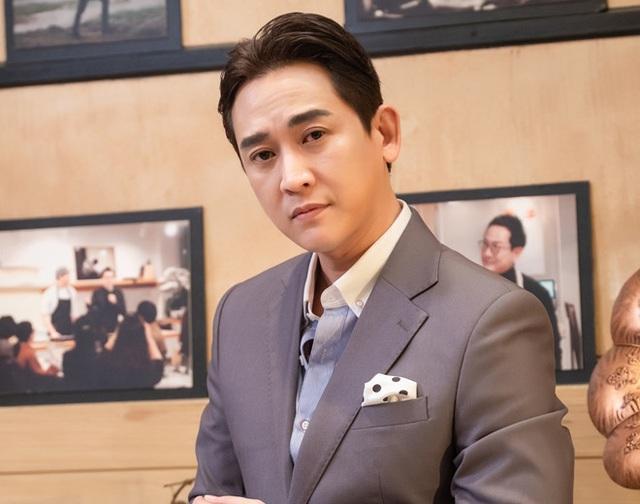 Ngoại hình và phong cách Hứa Vĩ Văn khá giống với nam diễn viên Lee Sun Kyun.