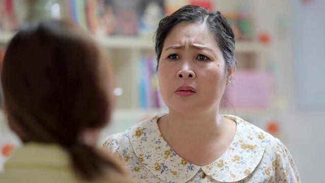 Ngoại hình diễn viên Hồng Vân cũng khắc họa vẻ lam lũ của người phụ nữ nghèo.