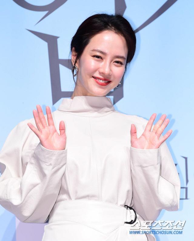 Mợ ngố Song Ji Hyo đẹp nền nã ở tuổi 38: Knet tiếc vì cứ để mặt mộc trong Running Man ảnh 11