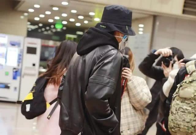 Thái Từ Khôn bị fan đe dọa, dân mạng thi nhau chỉ trích vì dám từ Hàn Quốc trở về giữa dịch bệnh lan truyền ảnh 6