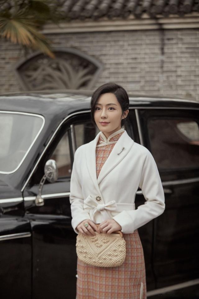 Ngoài Xa Thi Mạn, còn có 7 nữ diễn viên gây chú ý trong phim Bên tóc mai không phải hải đường hồng ảnh 10