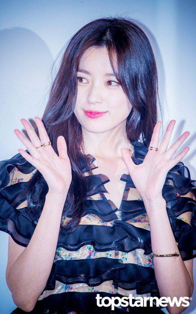 20 nữ diễn viên Hàn đẹp nhất mọi thời đại: Bạn gái cũ So Ji Sub đứng nhì, người top 1 có xứng đáng? ảnh 5