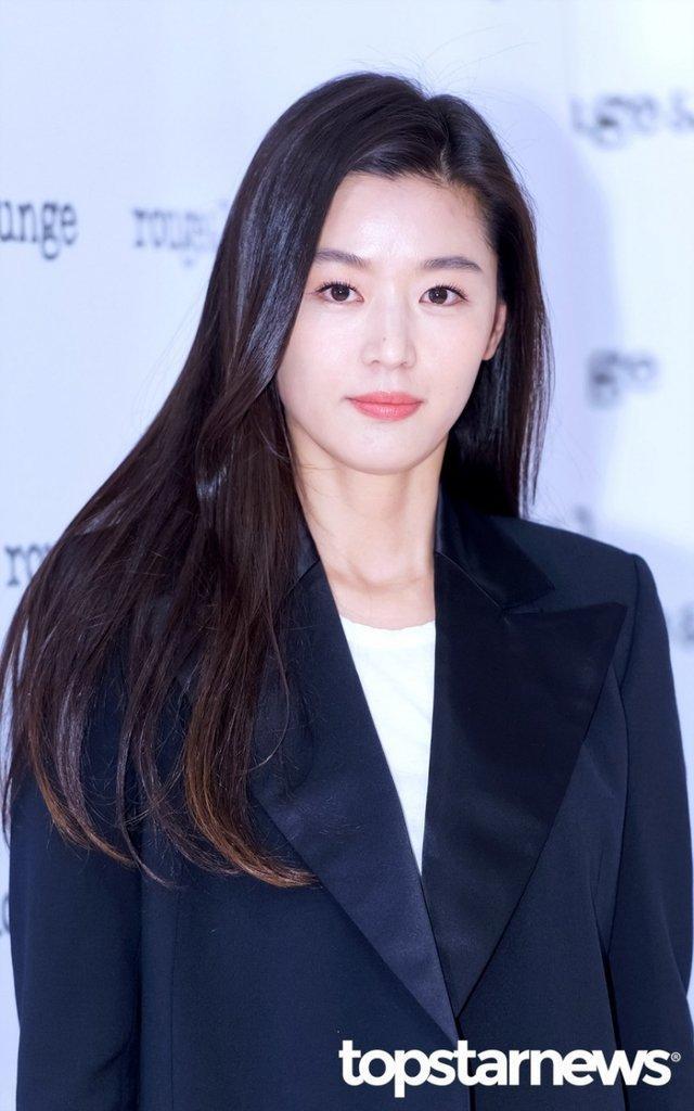 20 nữ diễn viên Hàn đẹp nhất mọi thời đại: Bạn gái cũ So Ji Sub đứng nhì, người top 1 có xứng đáng? ảnh 7