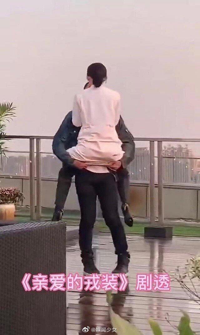 Ảnh hậu trường Quân trang thân yêu được tiết lộ: Hoàng Cảnh Du lan tỏa sức hút của người bạn trai, ngọt ngào và cool ngầu ảnh 4