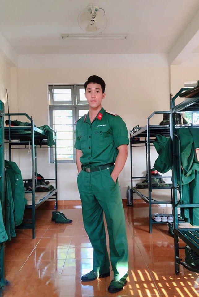 Mới đầu năm học, xuất hiện loạt cực phẩm quân sự tại các trường Đại học gây sốt diễn đàn MXH ảnh 3