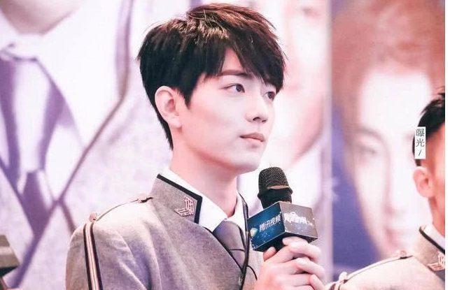 Tiêu Chiến tiết lộ sợ đóng cảnh đối thoại với Dương Tử, nhân viên phim trường nói: Anh ấy đi toilet cũng cố gắng học thoại ảnh 12
