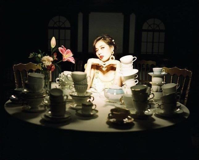 HyunA trong MV mới.