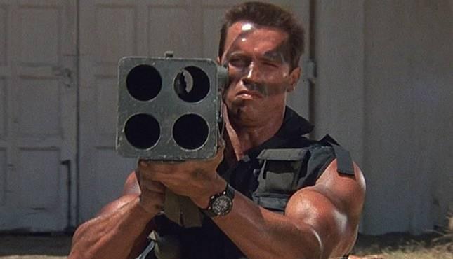 Các huyền thoại cơ bắp đình đám Hollywood: Tom Cruise, The Rock có ngang tầm Arnold Schwarzenegger? ảnh 2