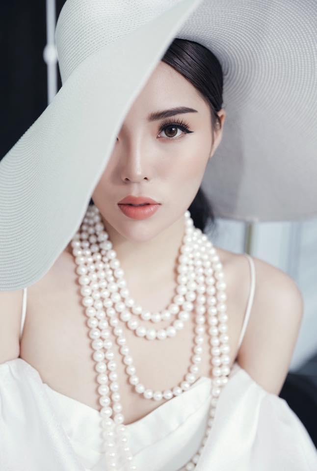 Fan đồng loạt tiến cử Thúy Vân thi Miss World, Lương Thùy Linh thi Miss International 2020 ảnh 9