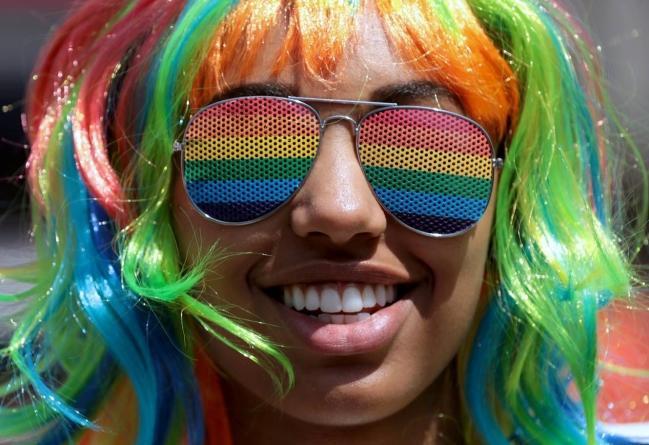 Câu chuyện hy hữu: Người đồng tính biểu tình chống người chuyển giới ảnh 16