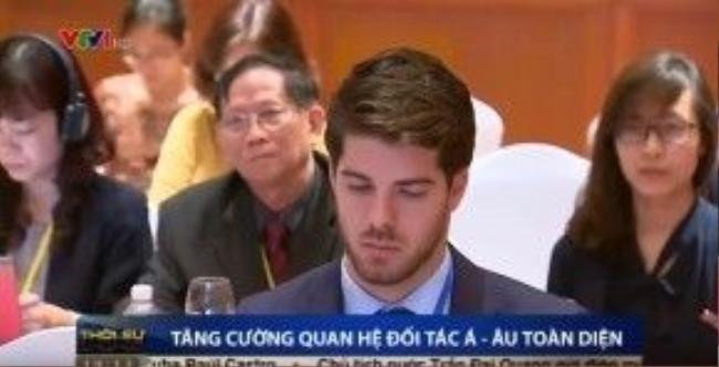 Chàng Tây có khuôn mặt điển trai khiến cộng đồng mạng Việt chao đảo.
