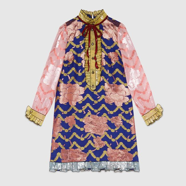 Chiếc váy có giá 4.990 USD khoảng 115 triệu đồng. Nằm trong BST Gucci Spring 2016 ready to wear.