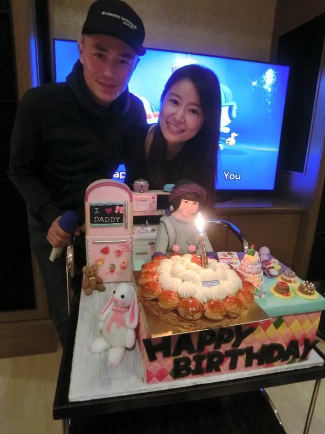 Hoắc Kiến Hoa và Lâm Tâm Như tổ chức sinh nhật cho con gái đầu lòng.