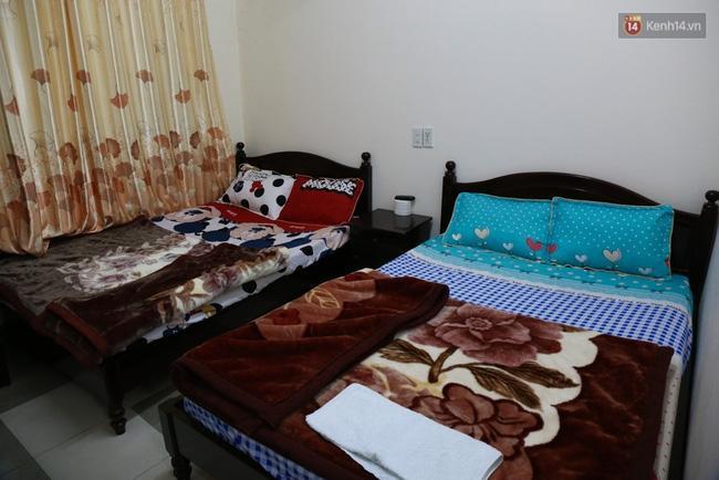Phòng giường đôi trong khách sạn bình dân như thế này sẽ có giá trên 1 triệu đồng trong 2 ngày lễ.