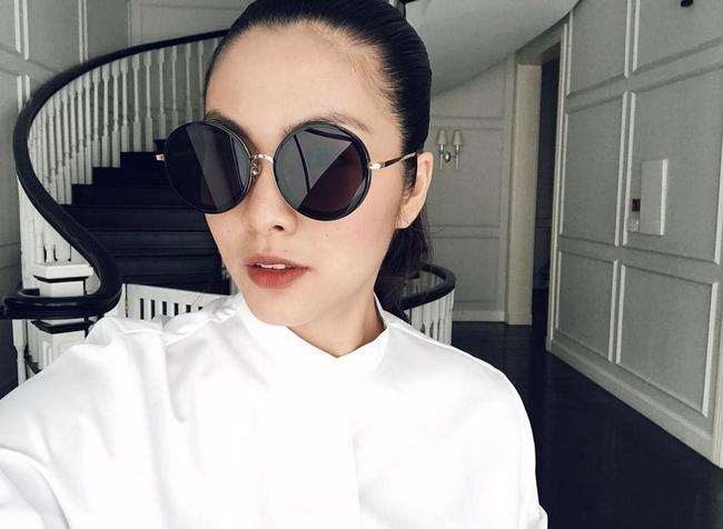 Là một người khá kín tiếng trong giới showbiz Việt nên từ sau khi lên xe hoa, Tăng Thanh Hà rất ít khi chia sẻ về cuộc sống riêng tư cũng như gia đình chồng.