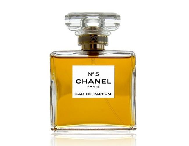 Giữ một rừng nước hoa, Chanel N.5 vẫn giữ được phong độ hàng đầu.