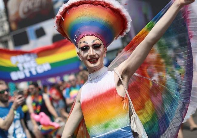 Câu chuyện hy hữu: Người đồng tính biểu tình chống người chuyển giới ảnh 0