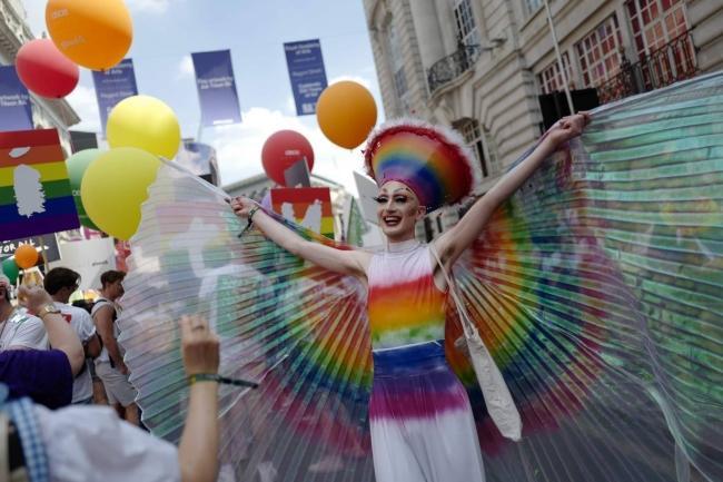 Câu chuyện hy hữu: Người đồng tính biểu tình chống người chuyển giới ảnh 15