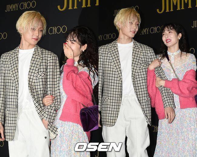 Hyuna thẹn thùng bên bạn trai ở sự kiện của Jimmy Choo tại Gangnam.